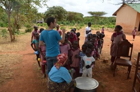 Airam en el poblado Maweni
